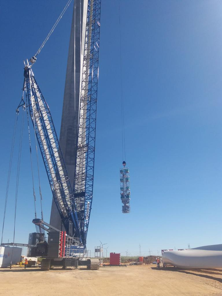 Turbine installation project in Mesa La Paz